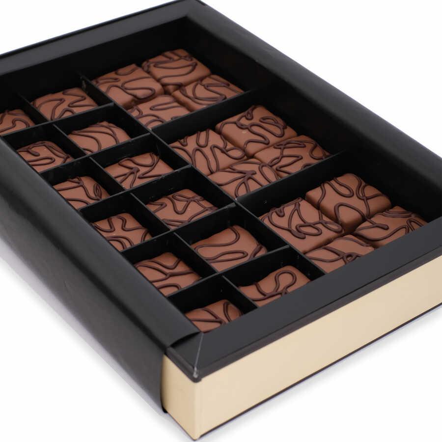 24'lü Fındık Pralin Kutu Çikolata