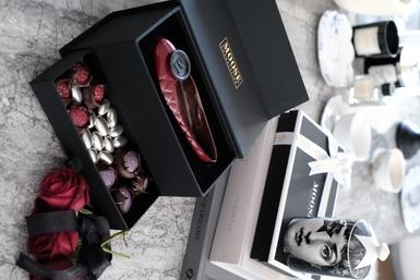 Kırmızı Babet Galaxy Serili Çikolata Kutusu - Thumbnail